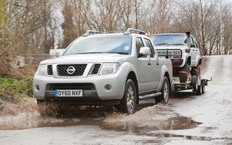 nissan navara v6 outlaw towing test total off road the uk 39 s only pure off road. Black Bedroom Furniture Sets. Home Design Ideas